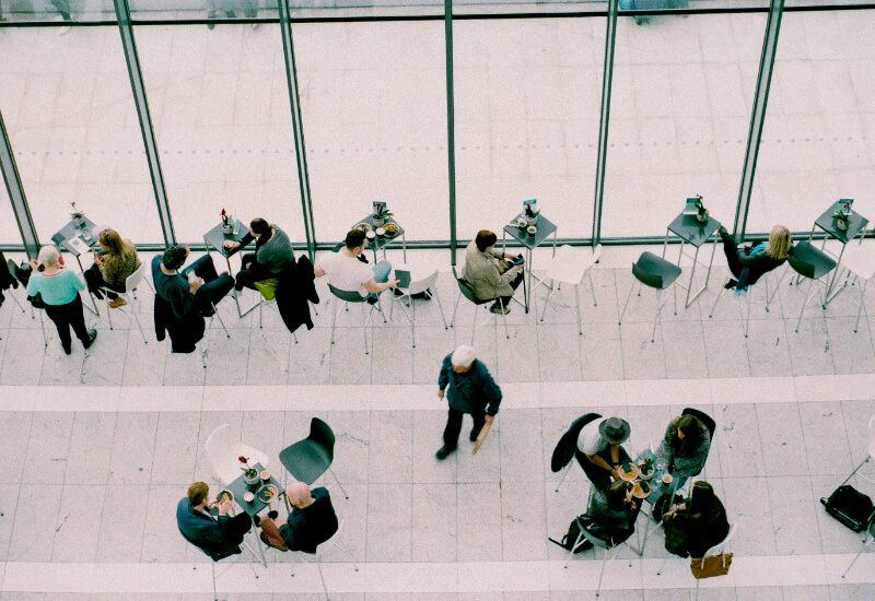 How to engage employees through recognition-rich meetings